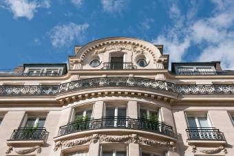 Le crédit Agricole prévoit une baisse de 12% des prix de l'immobilier