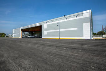 Aéroport de Cannes : architecture élégante pour un hangar