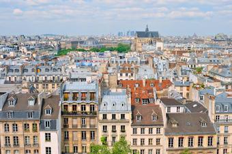 Immobilier à Paris : sous la barre des 8 000 euros ?