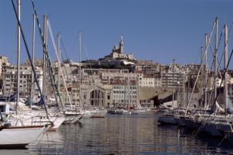 Relooking immobilier complet du Vieux-Port de Marseille