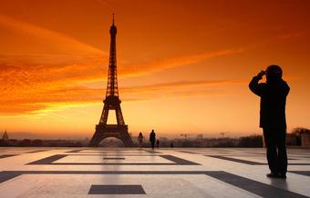 Tour Eiffel : un morceau d'escalier mis en vente