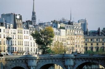 Se loger à Paris : vers une baisse amorcée des prix immobiliers ?