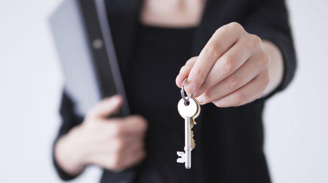Les Français se réconcilient avec les agents immobiliers