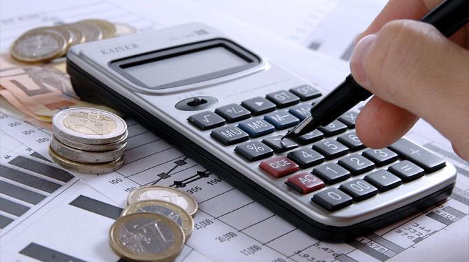 En CDD et/ou plus de 50 ans : peut-on emprunter lorsque l'on n'est pas le favori des banques ?