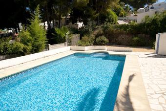 Garder l'eau transparente dans sa piscine