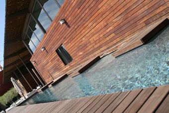 Avantages et inconvénients des piscine en bois
