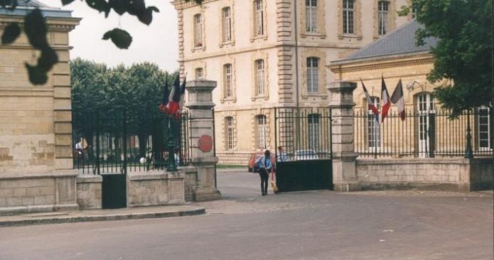 Qui va rénover les logements des casernes de France ?