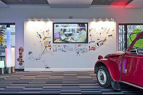Google Immobilier: ses nouveaux locaux à Paris inaugurés avec Nicolas Sarkozy