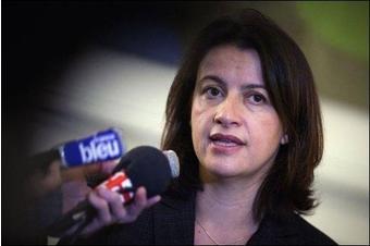 Cécile Duflot présente sa loi sur le logement devant les ministres
