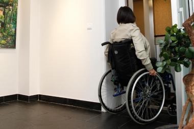 Handicap : des normes d'accessibilité qui ne répondent pas aux besoins