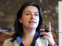 Selon la ministre du Logement Cécile Duflot, la hausse de la TVA sur le logement social est contre-productive