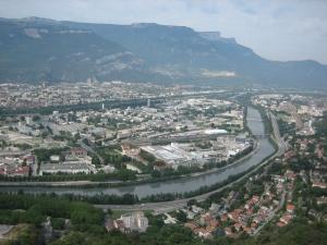 Accessibilité des bâtiments publics : Grenoble prend de l'avance
