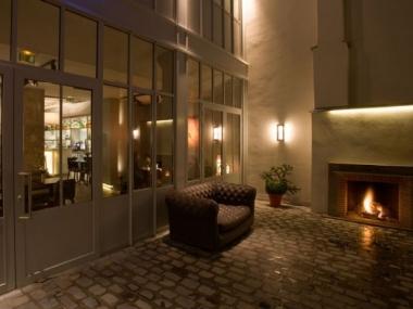 Jules & Jim, un hôtel branché remplace une ancienne usine à Paris, dans le Marais