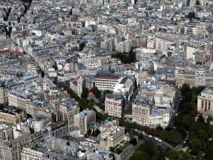 Les prix immobiliers parisiens entament leur baisse