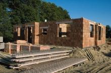 L'application de la norme RT 2012 dès le 1er janvier 2013 pourra causer la hausse des prix des maisons individuelles de 10%